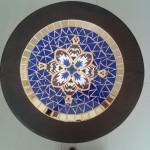 Mesa de Canto em Mosaico e Madeira