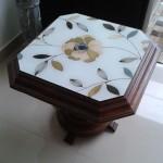 Mesa de Madeira com Tampo de Vidro Pintado a Mão